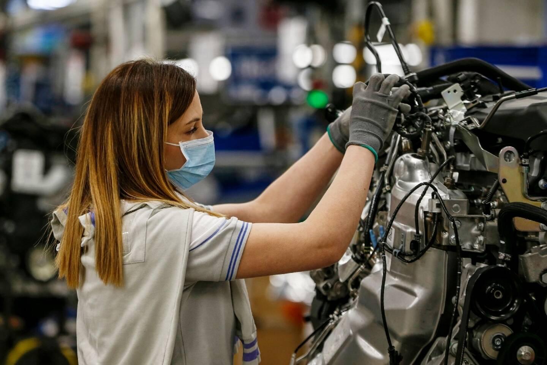 Dans l'usine automobile SEVEL (European Light Vehicle Company) à Atessa dans le centre de l'Italie, le 27 avril 2020