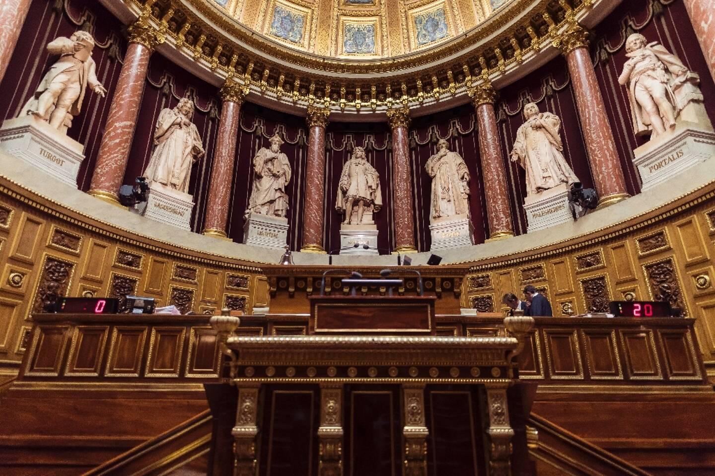 """Le Sénat s'apprête à voter en première lecture un projet de loi contre le """"séparatisme"""" nettement durci"""