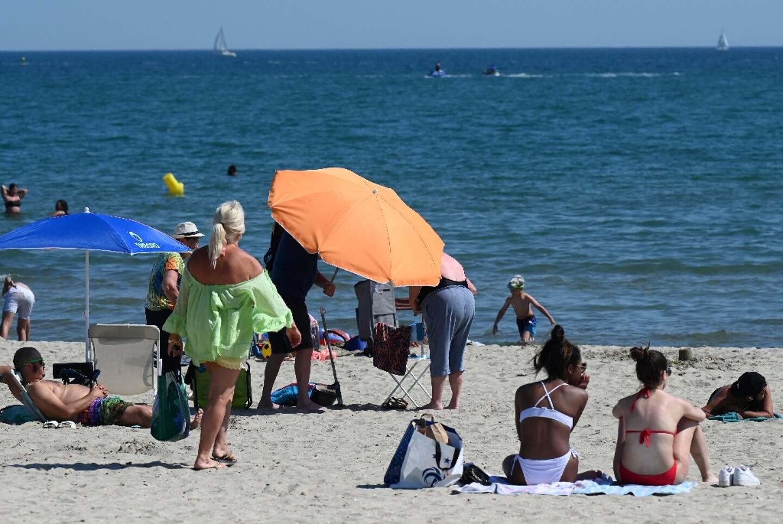 Les plages ouvertes aux touristes à Palavas-les-Flots (sud), le 10 juin 2021, après l'allègement des restrictions contre le Covid-19 en France