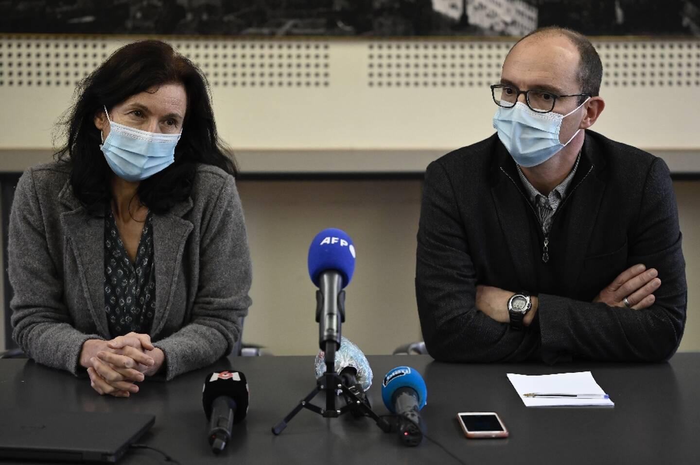 Le directeur de l'Institut d'études politiques de Toulouse, Olivier Brossard, et la professeure Christine Mennesson donnent une conférence de presse le 9 février 2021 à Toulouse