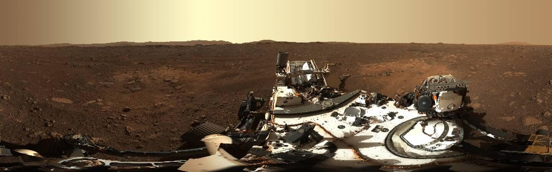 Photo panoramique diffusée par la Nasa le 24 février 2021 de la zone d'atterrissage du rover Perseverance sur Mars