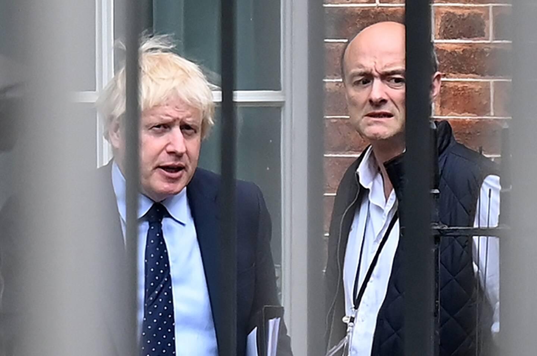 Le Premier ministre britannique Boris Johnson et son ancien conseiller Dominc Cummings le 3 septembre 2019 à Downing Street, le siège du gouvernement