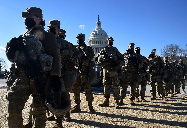 Des membres de la Garde nationale devant le Capitole, le 19 janvier 2021 à Washington