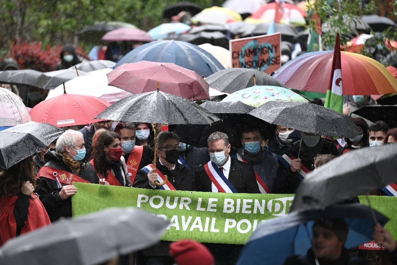 Le leader de la France Insoumise, juste avant son premier meeting de campagne présidentielle de 2022, Aubin le 16 mai 2021