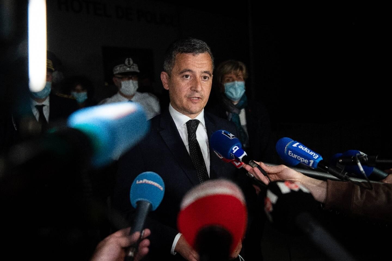 Le ministre de l'Intérieur français Gérald Darmanin au commissariat d'Avignon le 5 mai 2021