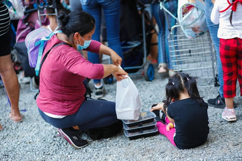 Distribution de nourriture pour les plus démunis à New York le 25 août 2020