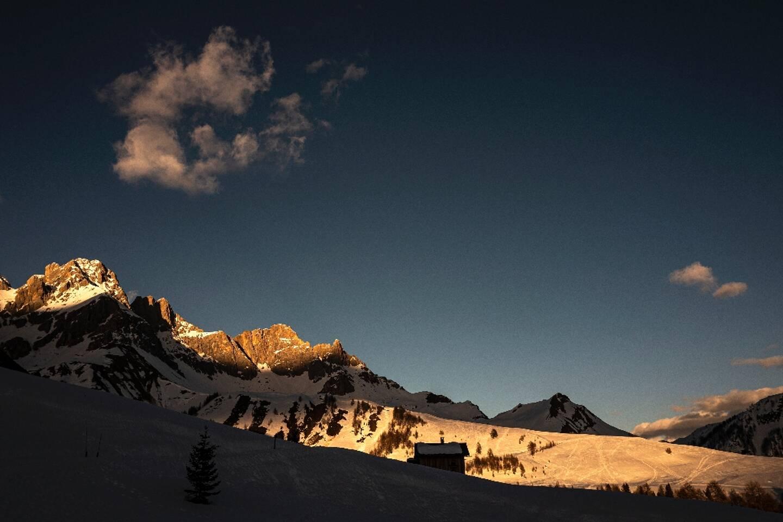 Le col de Passo San Pellegrino, dans les Dolomites, dans le village alpin de Moena, en Italie  le 27 février 2021