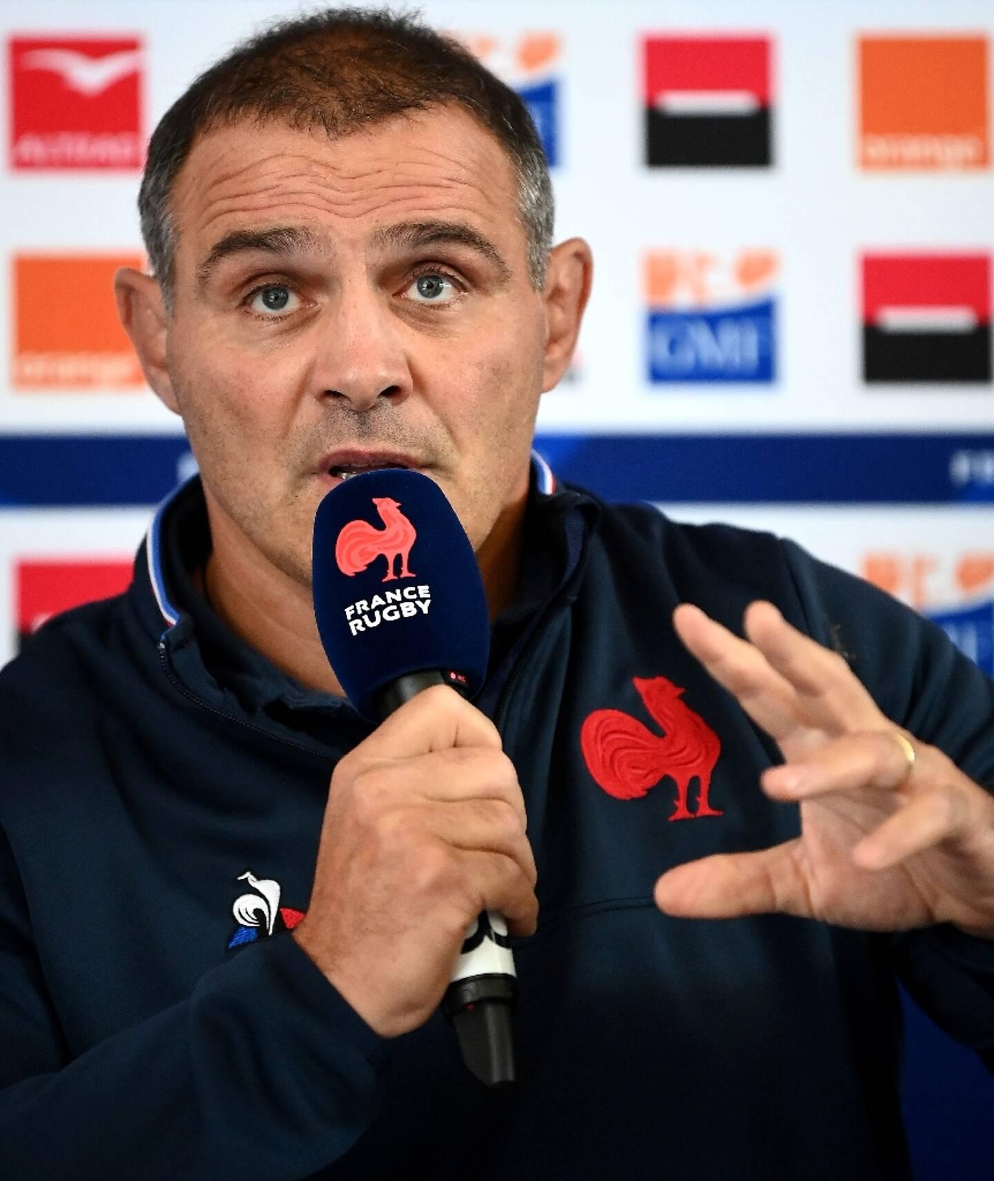Le manager du XV de France, Raphaël Ibanez, lors d'une conférence de presse, le 7 novembre 2020 à Marcoussis