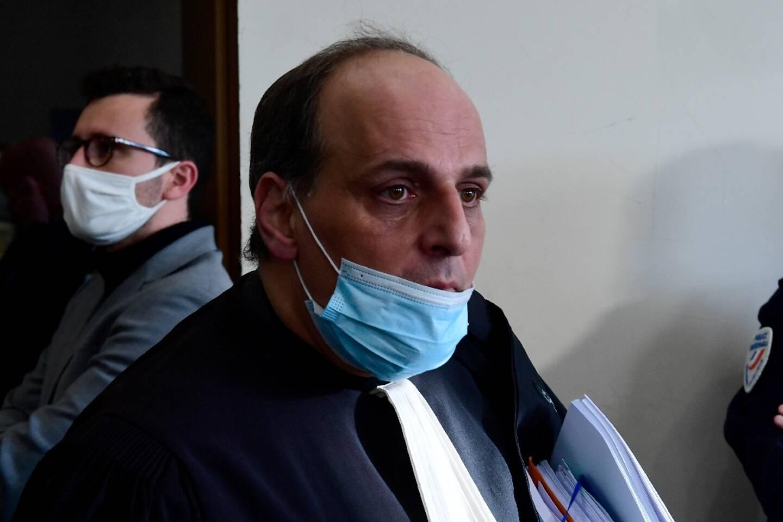 Me Olivier Grimaldi, avocat de l'Olympique de Marseille, arrive au tribunal correctionnel pourf le procès de 14 supporters, le 24 février 2021
