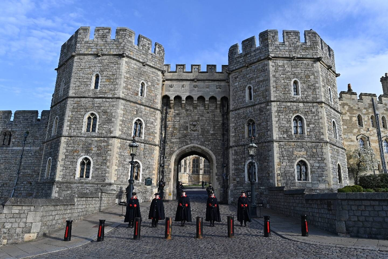 Des gardes devant le chateau de Windsor le 11 avril 2021