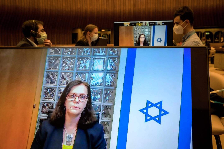L'ambassadrice d'Israël auprès de l'ONU à Genève Meirav Eilon Shahar prononce un discours lors d'une réunion du Conseil des droits de l'homme de l?ONU, à Genève, le 27 mai 2021