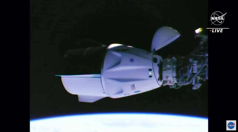 Image vidéo diffusée le 24 avril 2021 par la Nasa de la capsule Crew Dragon de SpaceX amarrée à la Station spatiale internationale
