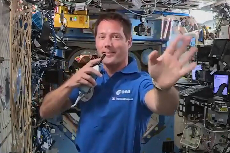 Capture d'écran de l'ESA le 30 avril 2021 de Thomas Pesquet à la Station spatiale internationale