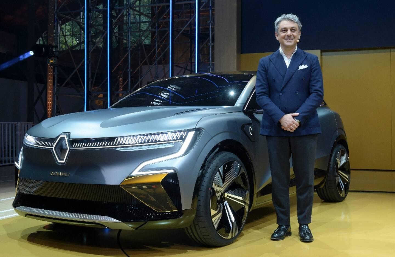 Luca de Meo, PDG de Renault, présente la Mégane eVision le 15 octobre 2020 à Meudon dans les Hauts-de-Seine