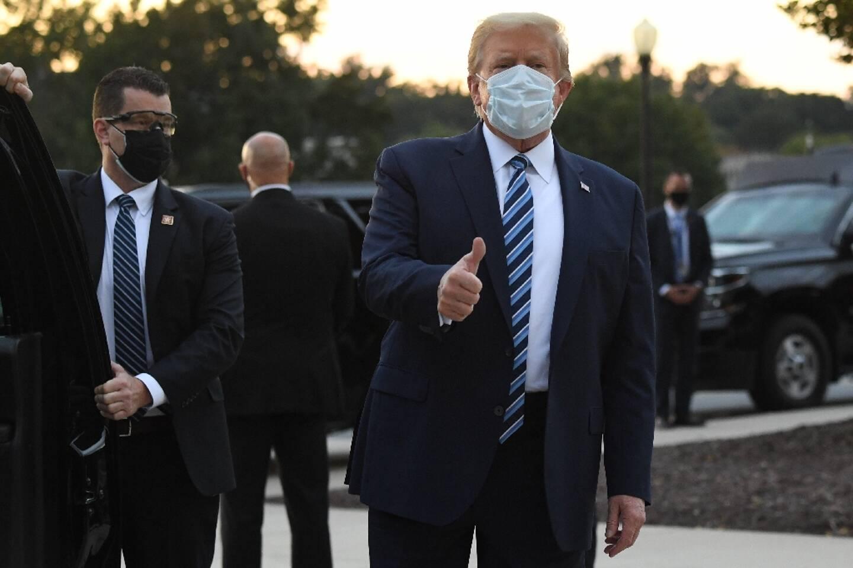 Le président Donald Trump sort de l'hôpital après avoir contracté le Covid-19, le 05 octobre 2020, dans le Maryland