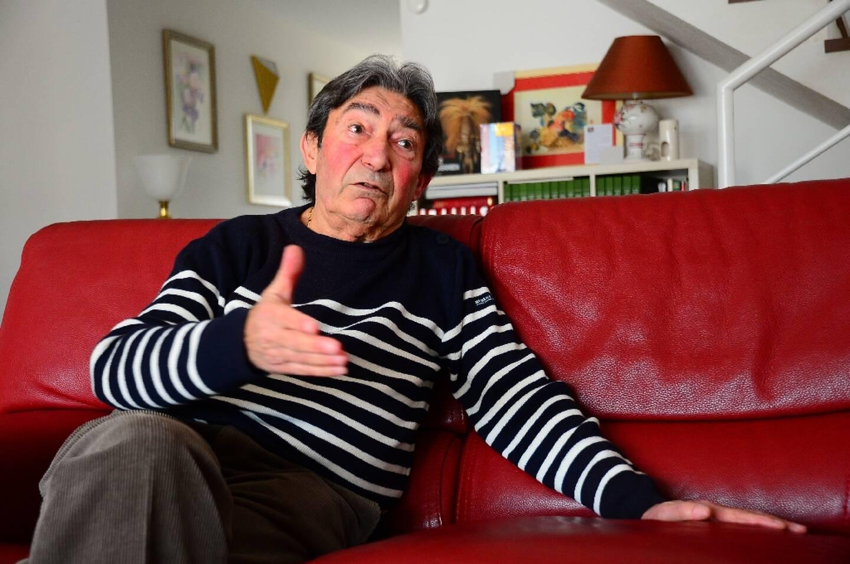 Le vétéran Régis Guillem, ancien membre de l'OAS, raconte ses souvenirs de cette époque, le 5 février 2021 chez lui, à Royan
