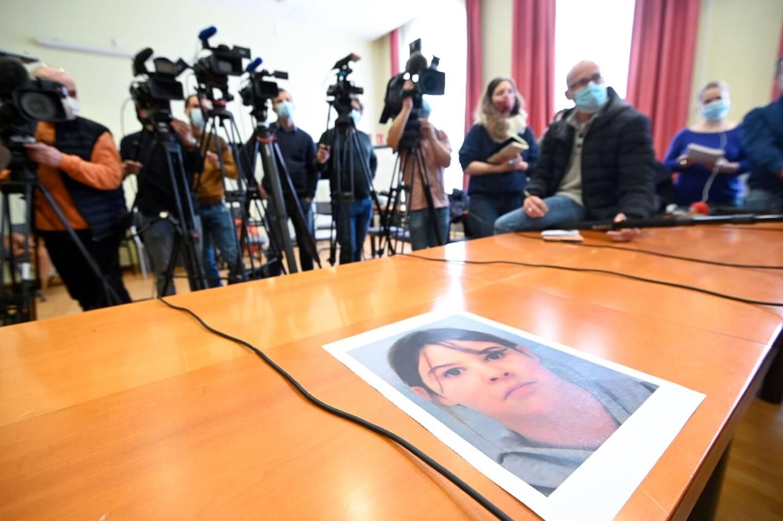 Portrait de la fillette Mia Montemaggi enlevée dans les Voges lors d'une conférence de presse à Epinal, le 1' avril 2021.
