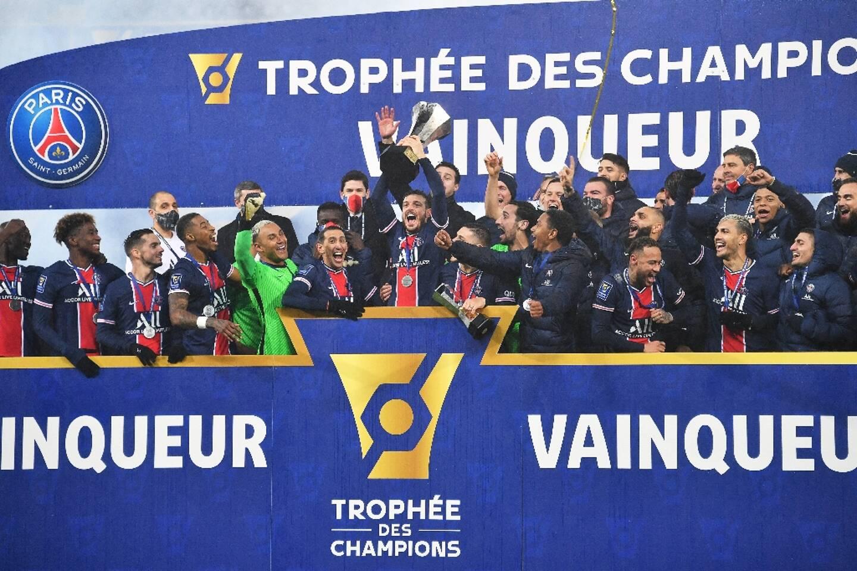 Les joueurs du Paris Saint-Germain, vainqueurs du Trophée des Champions face à Marseille (2-1), le 13 janvier 2021 à Lens