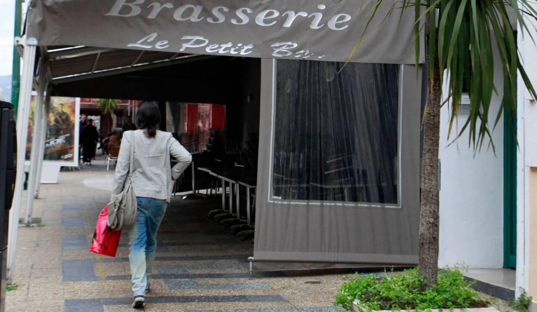 """La brasserie """"Le Petit Bar""""', à Ajaccio (image d'illustration)."""