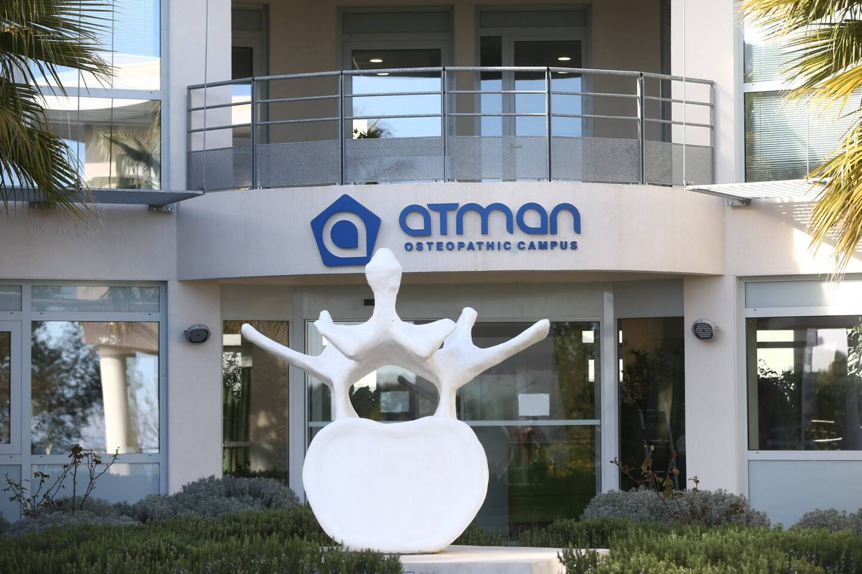 Le centre de soins ostéopathiques ATMAN à Valbonne dans les Alpes-Maritimes, dont le fondateur Marc Bozetto est accusé par d'anciennes élèves d'agressions sexuelles.