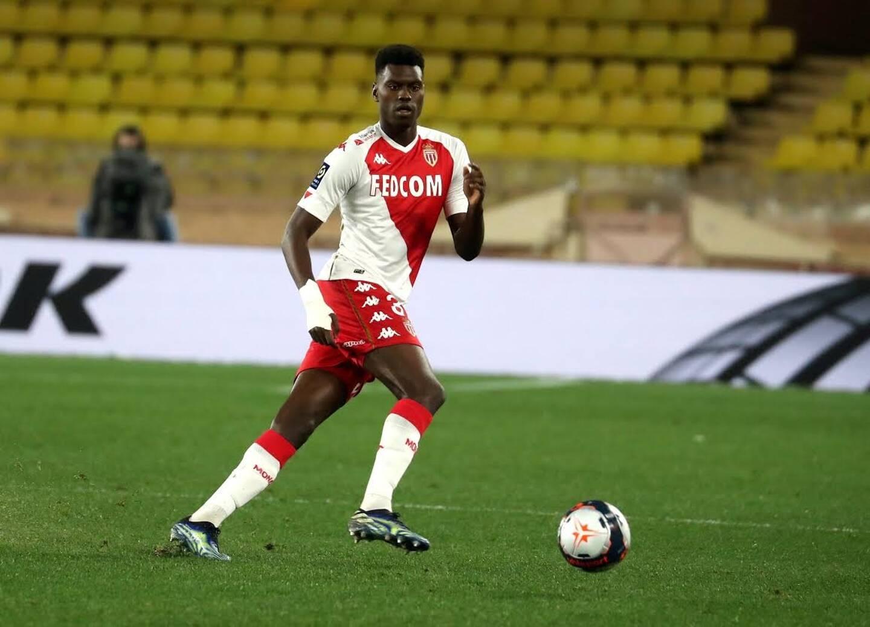 Victime d'une grosse contusion à la hanche, mercredi lors du derby face à Nice, Benoît Badiashile est titulaire dans le Gard.