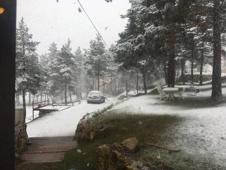 De la neige en début d'après-midi à La Martre, dans le Haut-Var