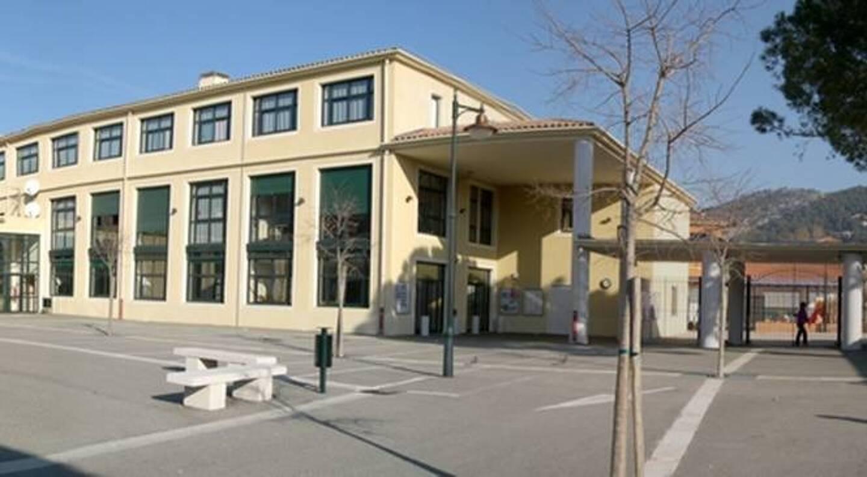 Le collège Les Eucalyptus, à Ollioules.