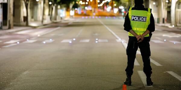 La police veille au respect du couvre-feu à Toulon.