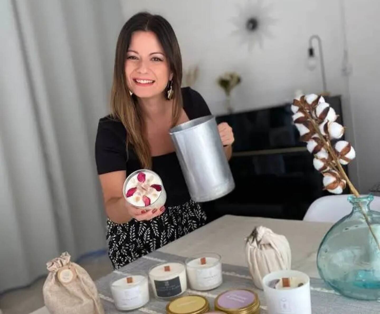 """Athena Grumelart n'utilise que des ingrédients """"de qualité"""" pour fabriquer ses bougies."""