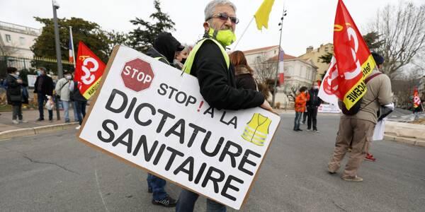 Une manifestation contre les mesures sanitaires à Draguignan (image d'illustration).