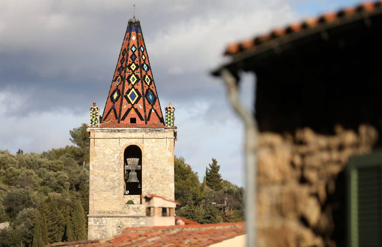 Le clocher de l'église de Callian.