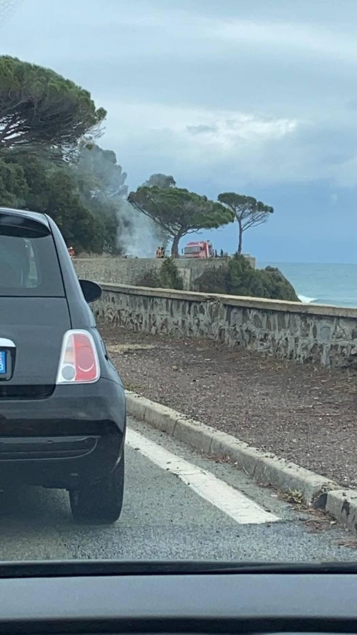 L'intervention a nécessité la mobilisation de près d'une quinzaine de pompiers ainsi que du Smur de Gassin-Saint-Tropez.