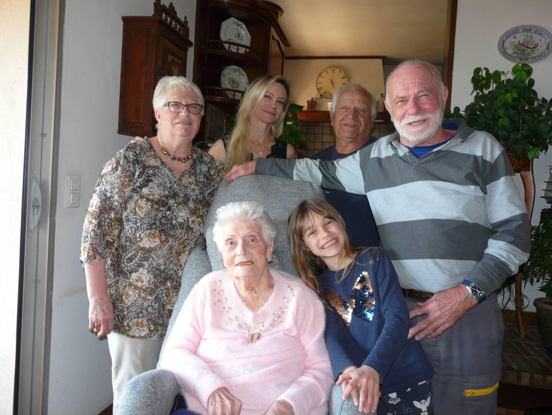 Augusta a fêté ses 100 ans, entourée de ses proches