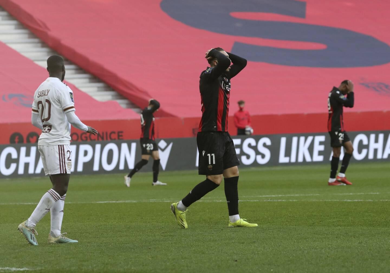 Amine Gouiri déçu après la défaite de l'OGC Nice contre Bordeaux. Le Gym est 14e de Ligue 1 ce dimanche.