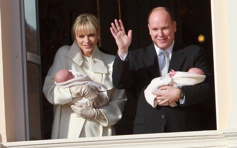 Présentation officielle des jumeaux princiers.