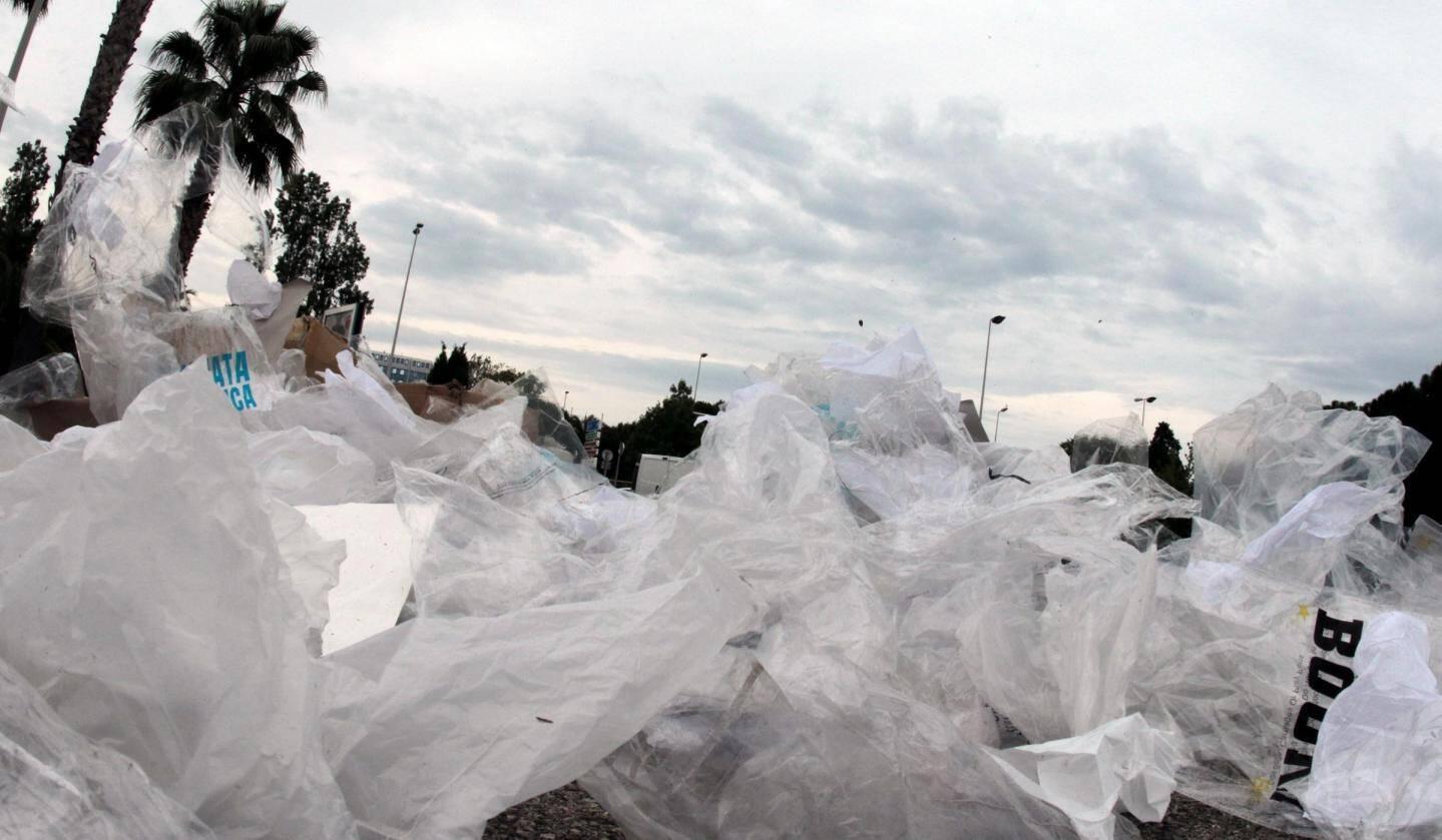 Les emballages, représentent la moitié des déchets plastique en mer.