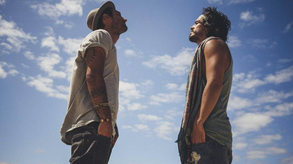 Flo et Jérémy alias Fréro Delavega seront dimanche 24juillet en concert sur la scène Masséna. Julian Perretta assurera la première partie