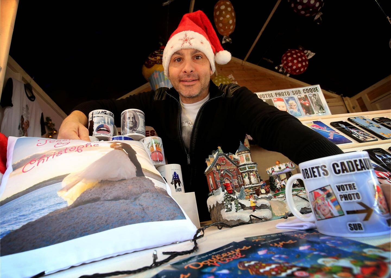 Michaël Alesi propose des mugs, des coques de smartphones, des coussins, avec une inoubliable photo.