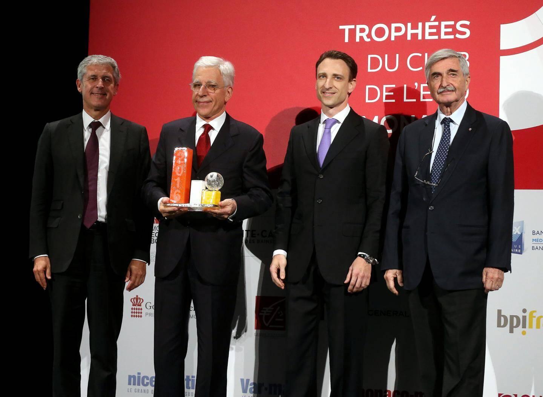 Mirco Albisetti et son fils Charles, récompensés par Jean Pastorelli (Grimaldi Forum) et Axel Hoppenot (SBM).