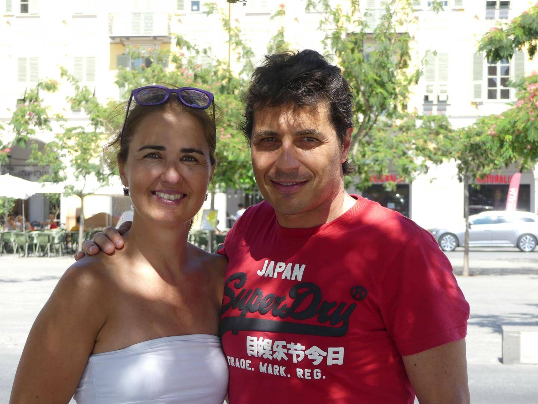 Patrizia Savio, 45 ans, est employée dans l'administration publique. Son mari, Andrea Pedrazzini, 43 ans, est chef d'une entreprise d'installation de cuisines et de salles de bain.Ils viennent de Cuneo, en Italie.