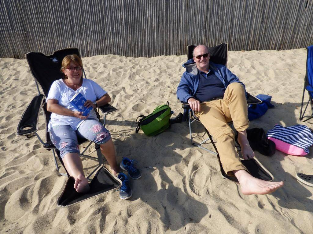 Les Germaniques Anke et Willelm préfèrent la quiétude d'arrière-saison au rush de l'été.