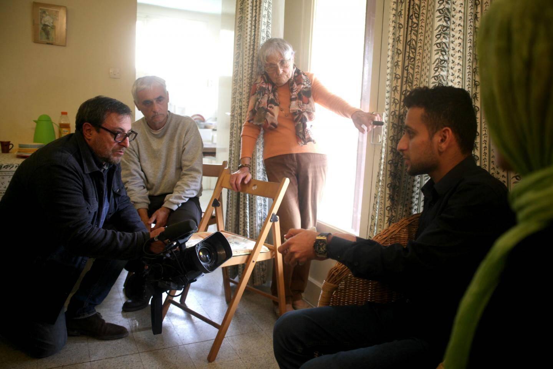 Richard avec Jawid et Maryam, deux jeunes Afghans menacés d'expulsion vers la Bulgarie.