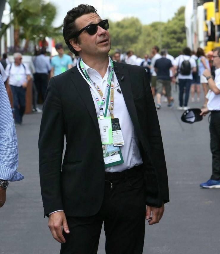 Laurent Gerra, petit coucou au public.