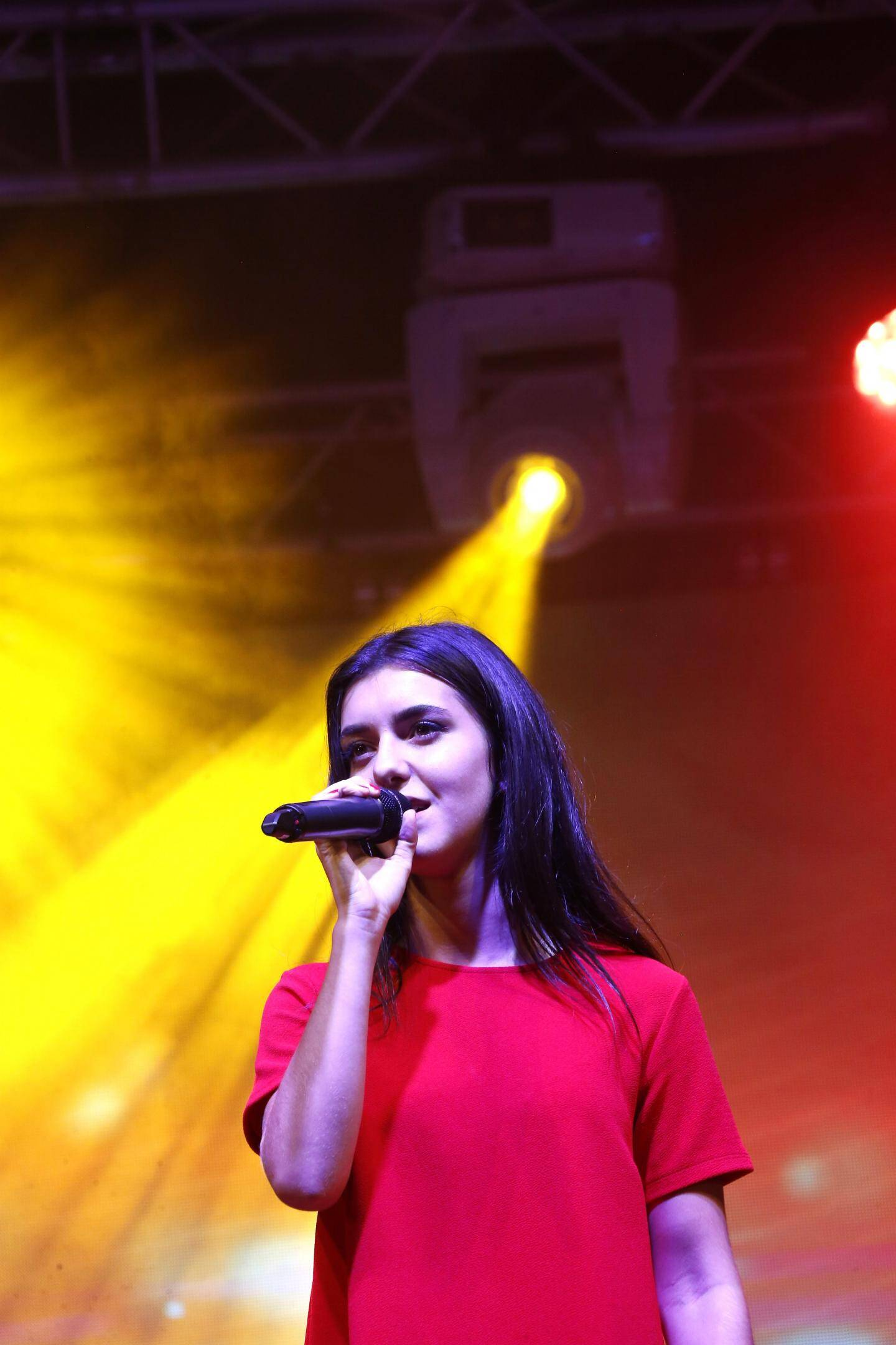 """Laure Giordano a remporté le concours de chant avec le titre """"Warrior"""" de Demi Lovato"""