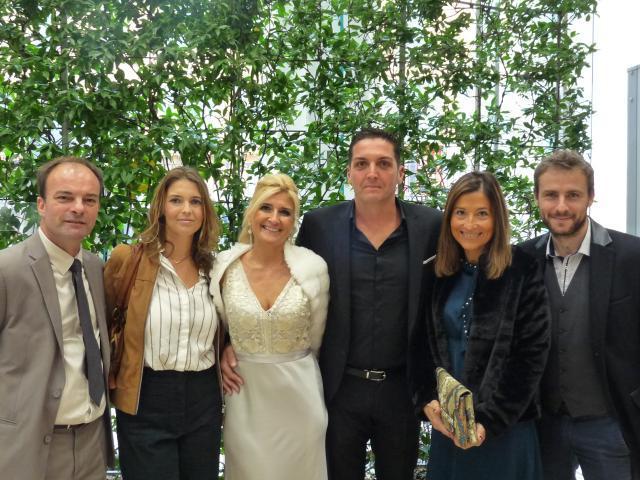 Alexandra Degaine, DRH, et Denis Riccio, responsable technique, entourés de leurs proches.
