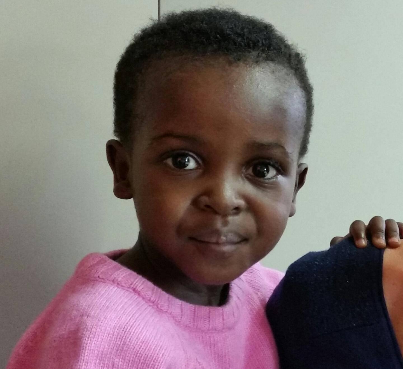 L'opération de la petite Vicka a eu lieu la semaine dernière et tout s'est très bien passé. Elle pourra bientôt rentrer chez elle.