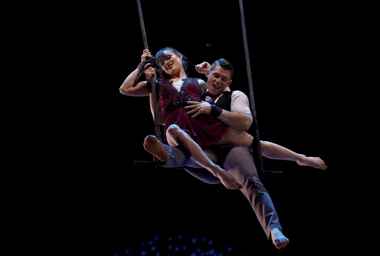Le duo Just Two Men, aux sangles aériennes, composé de deux artistes ukrainiens, a été repéré par la princesse Stéphanie lors du Festival des arts du cirque de la jeunesse de Moscou. Pour leur première fois à Monaco, ils remportent un clown d'argent.