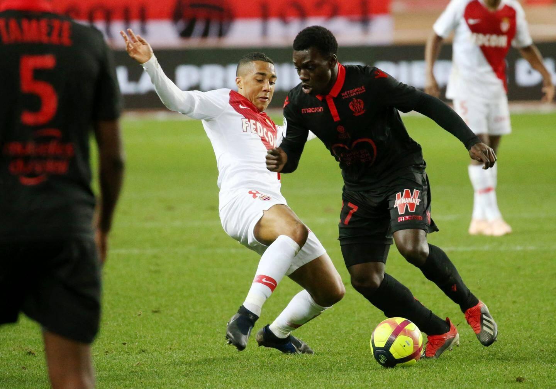 S'il a parfois dépanné devant, Jean-Victor Makengo ne s'est jamais imposé au milieu.