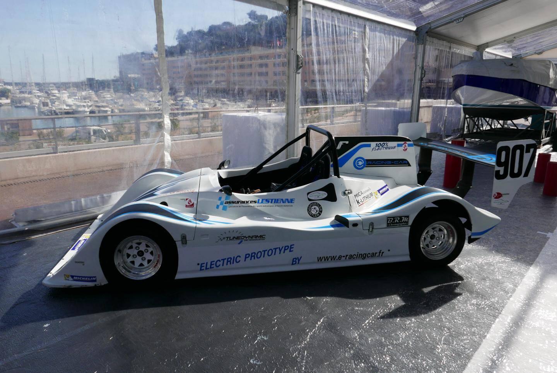 Ce proto de marque inconnue sera lancé à Monaco.