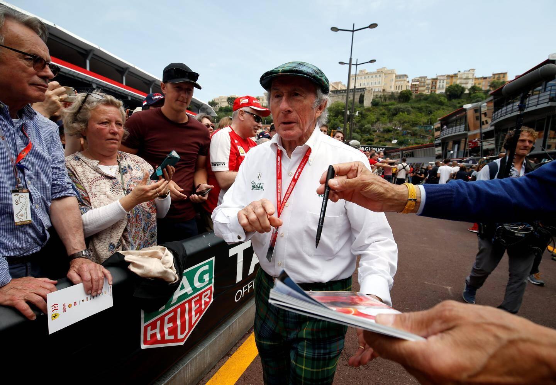 Jackie Stewart ne passe jamais inaperçu.